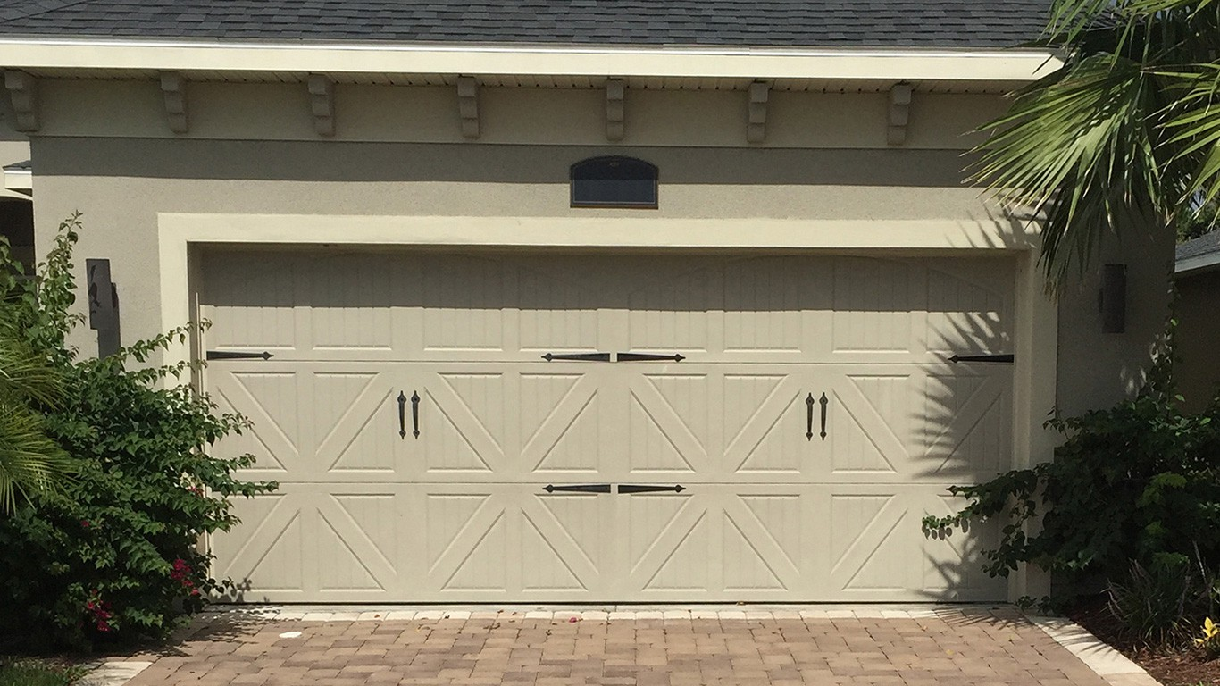 Doors To Garage: Garage Door Installation